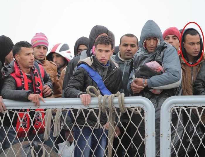 Photo of Strage al Bardo – Il marocchino ripreso sul molo da fotografo Ansa