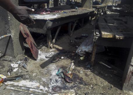 Photo of Nigeria: 30 morti per due ragazze kamikaze in moschea