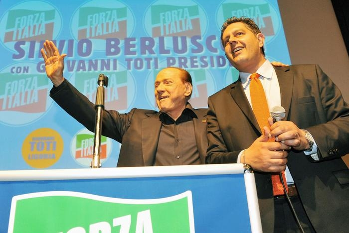 Photo of Regionali: La bassa affluenza favorisce il Pd che perde la  Liguria. In Campania De Luca è avanti