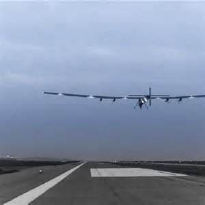 """Photo of """"Solar Impulse"""" nell'occhio dei """"cicloni"""""""