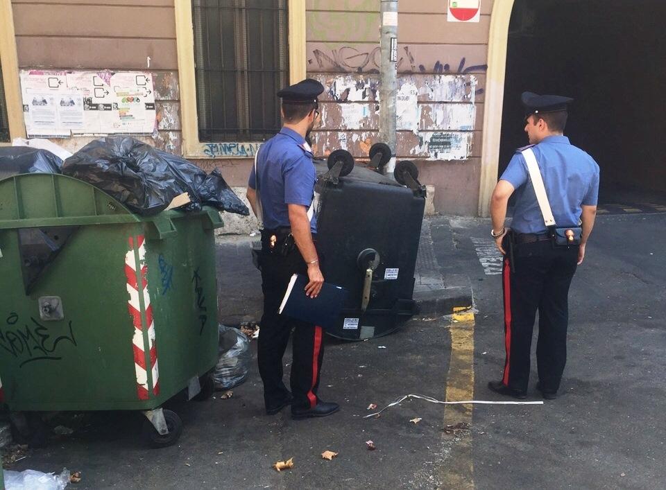 Photo of Roma – Cittadini stufi di angherie, intervengono in ausilio dei Carabinieri circondati da 40 gambiani per due arresti per spaccio