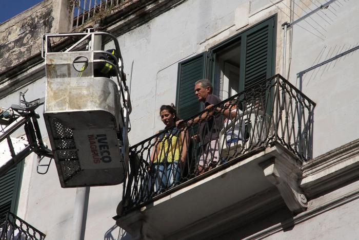 Photo of Taranto – Scoppia bombola del gas. Crolla il solaio. Un morto e 6 feriti.