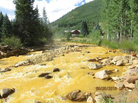 Photo of Colorado – Grossolano errore Agenzia Protezione Ambientale. Rifiuti tossici riversati nel fiume