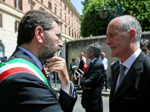 Photo of Mafia Capitale: Vince Marino, pareggia Renzi, perde (anche alcuni consiglieri) Alfano!