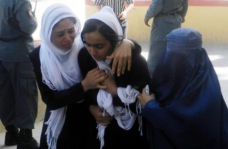 Photo of Flash – Afghanistan: In dieci  giorni, quinto episodio di avvelenamento nelle scuole