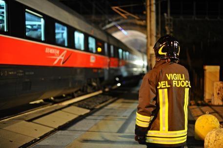 Photo of Intercity – Fiamme su locomotore – Nessun  ferito