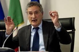 """Photo of Flash – Il Procuratore nazionale Antimafia Franco Roberti denuncia: """"Corruzione mai combattuta Italia"""""""