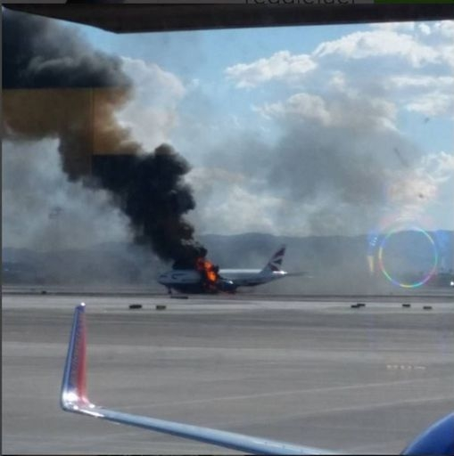 Photo of Las Vegas – Boeing 777  si incendia al decollo. Sette feriti