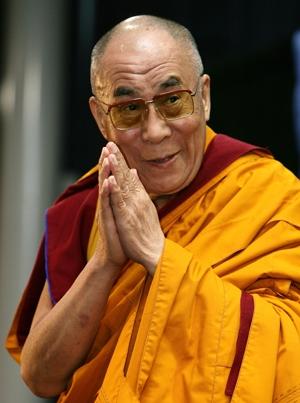 Photo of Dalai Lama alla Bbc: 'Il mio successore? Se sarà un donna deve avere un volto attraente'
