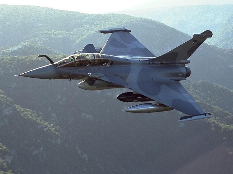 Photo of Flash – La Francia ha iniziato i raid aerei in Siria contro l'Isis