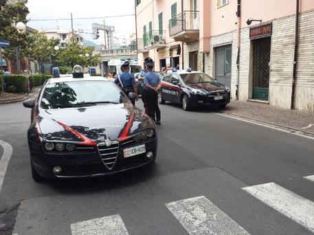 Photo of Flash – Gallarate – Con auto appena rubata investe Carabiniere