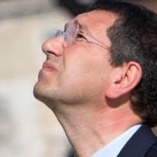 Photo of Marino, sostenuto da un numero di romani da non costituire nemmeno  statistica, fa tremare il Pd
