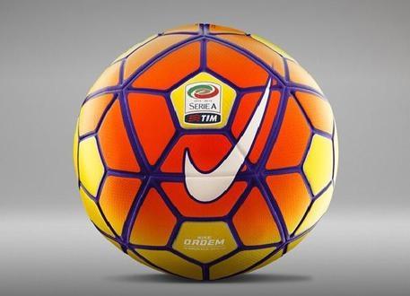 Photo of In campo il pallone ad alta visibilità