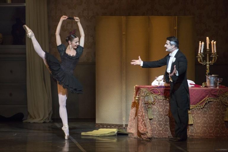 Photo of Teatro dell'Opera – Coppelia di Roland Petit con lo charme di Luigi Bonino