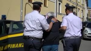Photo of L'Aquila – Arrestato e posto ai domiciliari legale rappresentante società operante nel commercio acque. Sequestrati a suo carico beni per 13 milioni di euro