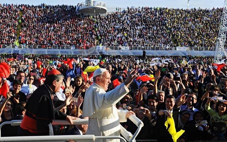 Photo of Papa Francesco al V Convegno Ecclesiale: non una Chiesa autoreferenziale