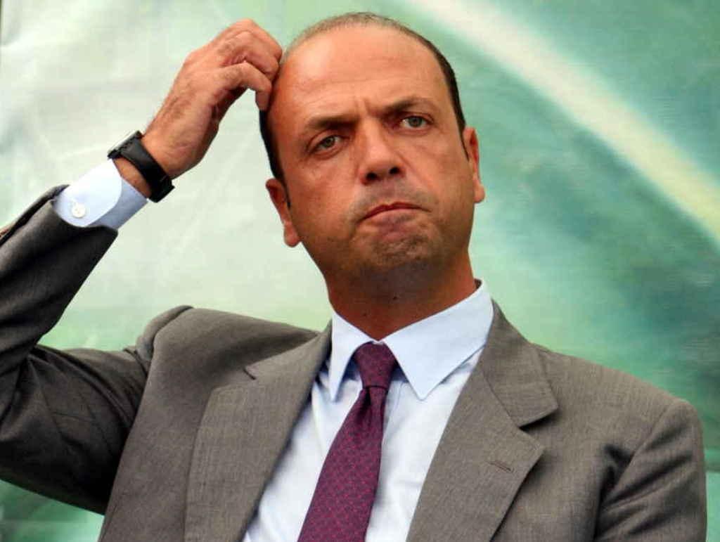 Photo of Terrorismo. Lo dice anche Alfano: 'Se la Siria fosse bombardata c'è rischio di Libia bis'