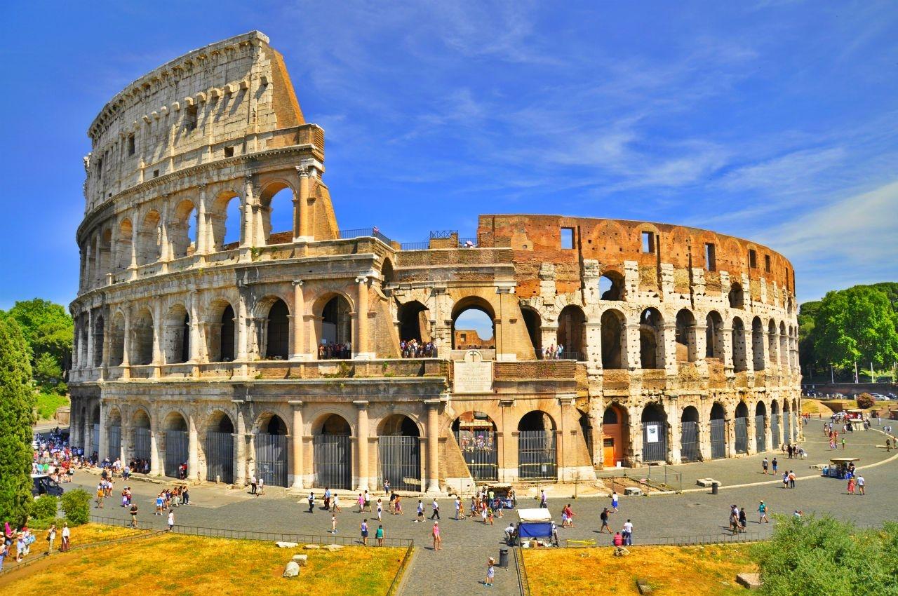 Photo of Roma: Scelte più che qualificate ma è avvio alla Polizia politica?