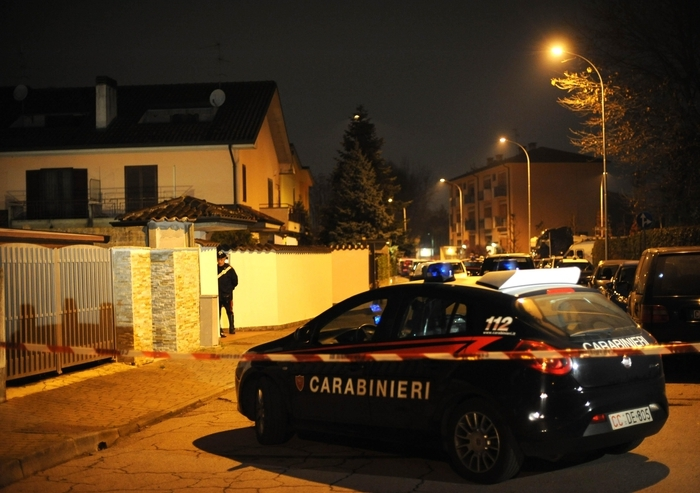 Photo of Nel milanese, rapina in casa, con morto. Quando si svegliano i politici? Per le prossime elezioni?