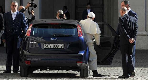 """Photo of Flash – Papa Francesco: """"C'è sempre la tentazione della corruzione, anche nella Chiesa"""""""