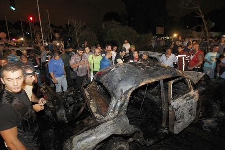 Photo of Attentati a Beirut. 41 morti e 200 feriti. Isis rivendica