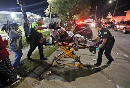 Photo of Flash – New Orleans –  16  feriti in una sparatoria