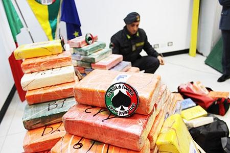 Photo of Il porto della droga di Gioia Tauro – Maxi sequestro di complessivi 344 kg. di cocaina purissima