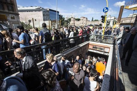 Photo of Roma: Come previsto, marcia indietro della Fiom.  'Revocato sciopero addetti metro'