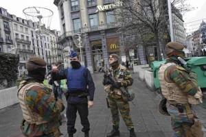 Photo of Effetto terrorismo: nel mondo massima allerta, Bruxelles annulla feste