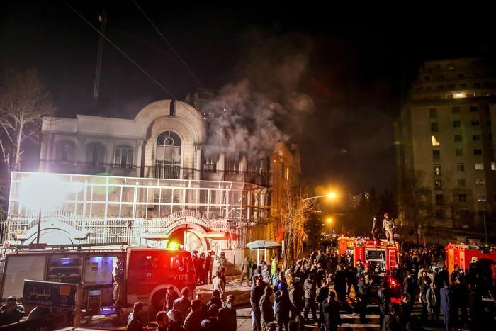 Photo of Dal mondo – Attentati in India e Somalia. Fermento e proteste nel mondo arabo