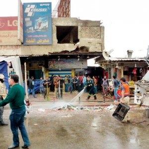 Photo of Flash – Baghdad – Almeno quattordi  i morti in un assalto a centro commerciale. Autobomba esplosa all'esterno