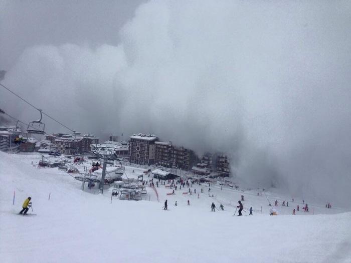 Photo of Cervinia avvolta da un soffio di neve provocato da valanga