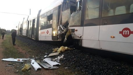 Photo of Flash – Cagliari – 30 feriti per scontro metro leggera