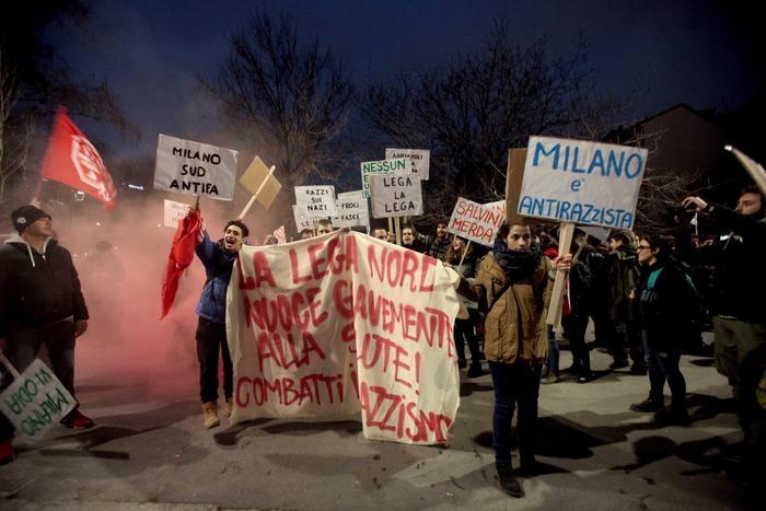 Photo of Milano – I 'democratici' rossi tentano di impedire la convention euroscettica  Le Pen-Salvini, quella stessa che loro contestano con la violenza