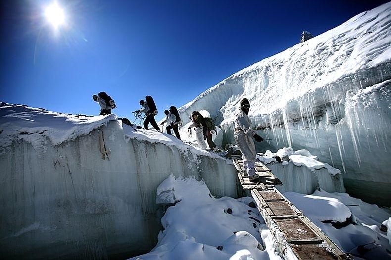 Photo of India:Dopo sei giorni, ancora vivo sotto la neve