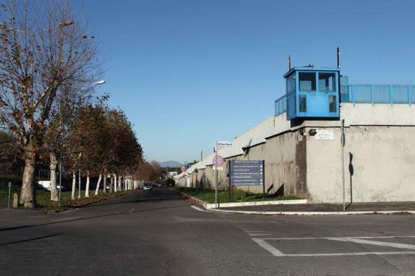 Photo of Flash – Evasi dal carcere di Rebibbia due detenuti romeni. Uno omicida, l'altro rapinatore