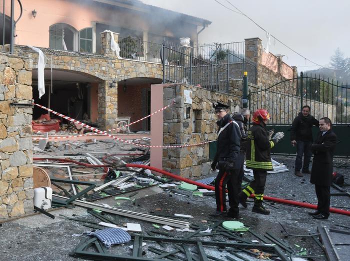 Photo of Flash- Esplode villa che ospita Gabriel Garko. Muore anziana. L'attore ha già lasciato  l'ospedale.