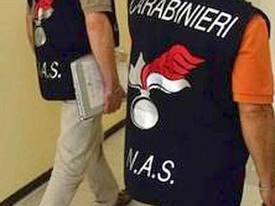 """Photo of Piombino. Usata """"eparina"""" per uccidere 13 pazienti. Arrestata un'infermiera"""