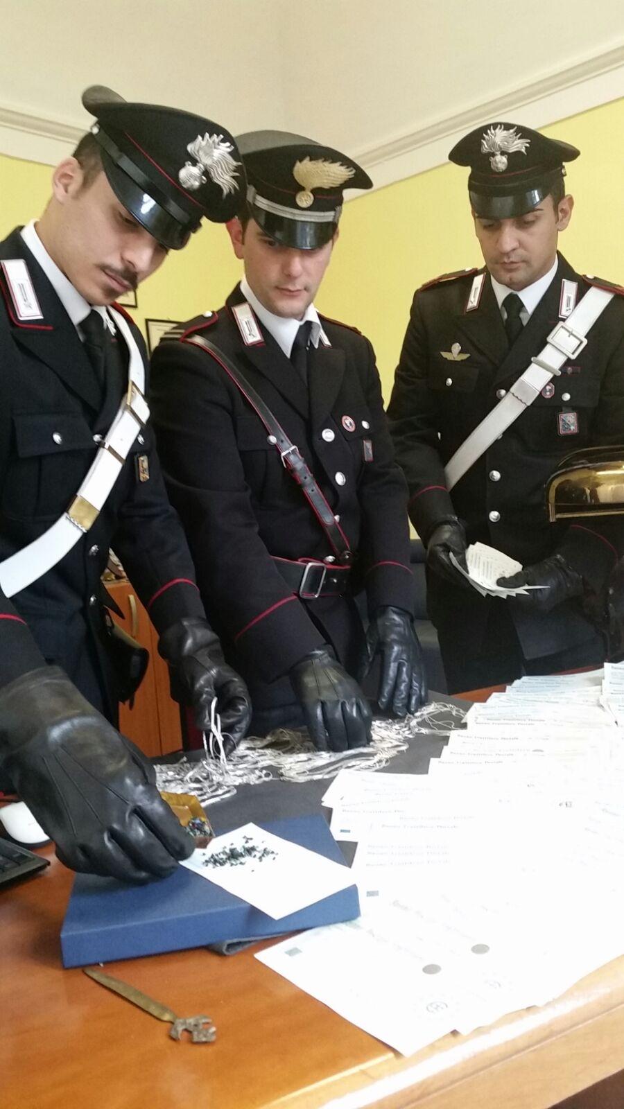 Photo of Circuiscono un anziano e lo derubano di valori per oltre 300mila euro