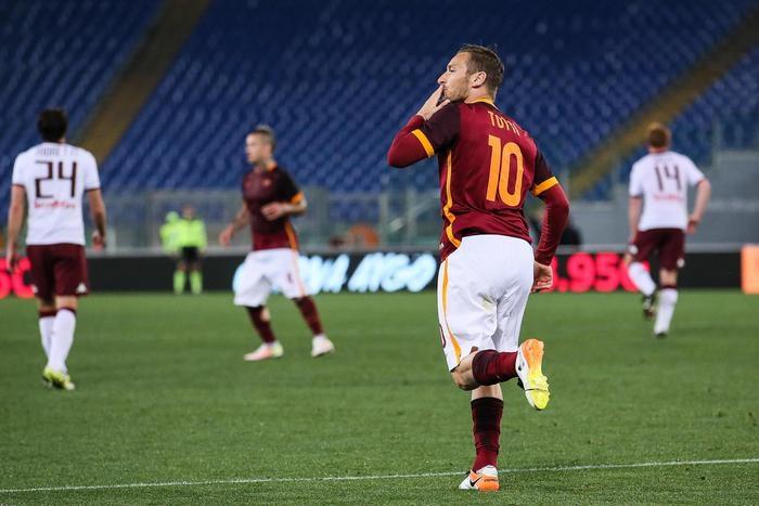Photo of Serie A. La Juve mette le mani sullo scudetto. Totti trascina la Roma. RISULTATI e CLASSIFICA