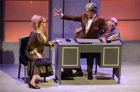 """Photo of Teatro Quirino – Lei è ricca, la sposo e l'ammazzo"""" con la coppia Jannuzzo-Caprioglio"""