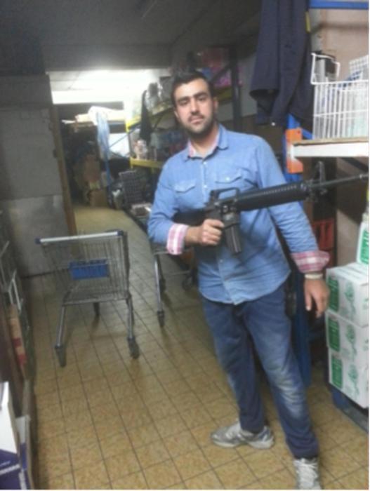 terrorista hakim nasini con armi 1