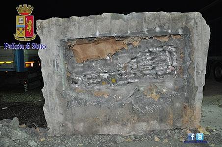 """Photo of Con l'operazione """"Ça Bon 2"""", smantellate due organizzazioni criminali albanesi, dedite traffico stupefacenti e rapine. 22 gli albanesi arrestati – VIDEO"""