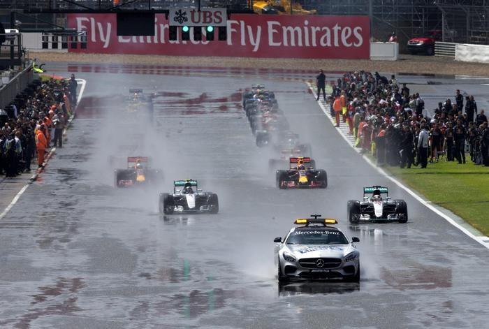 Photo of GPF1 Gran Bretagna: In casa, vince Hamilton su Mercedes, davanti a Rosberg. Terzo Verstappen su Red Bull