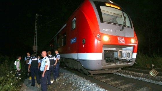 Photo of News – Germania: 17enne rifugiato afghano era terrorista. Attacco su treno: 4 feriti, 3 gravi. Isis rivendica