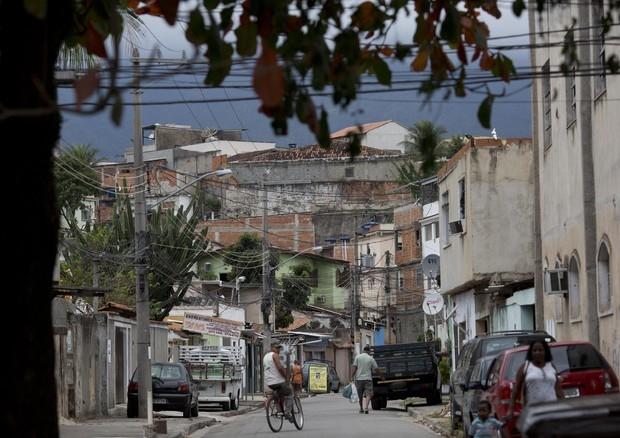 Photo of Flash – Attaccata una pattuglia di soldati a Rio:uno è morto e due sono feriti, di cui uno grave spari contro soldati