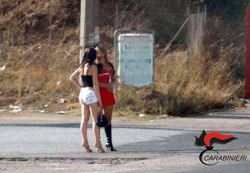 Photo of Velletri – Romeni accompagnavano connazionali a prostituirsi, compresa la fidanzata. Due arresti