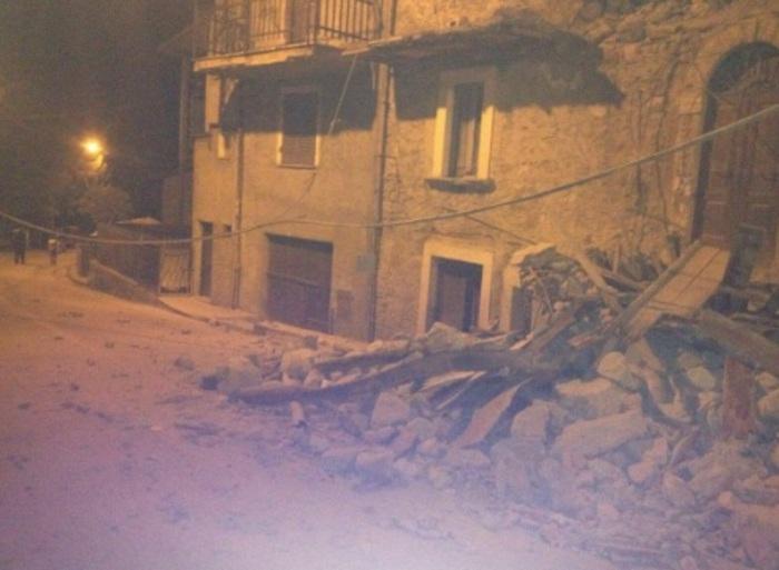 Photo of Forti scosse di terremoto nella zona di Rieti. Forse già due vittime. La più forte di magnitudo 6. Ingenti i danni