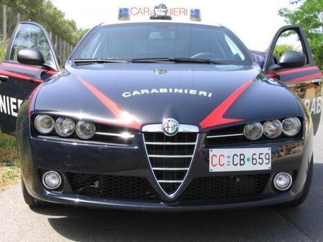 Photo of Roma – Spacciatore estorsore, finisce accoltellato dal creditore che viene  arrestato per tentato omicidio