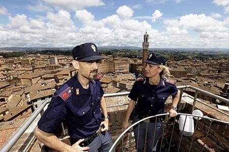Photo of Pericolosi rapinatori seriali romani in trasferta in Toscana. Arrestati